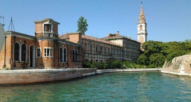 Poveglia Close Up