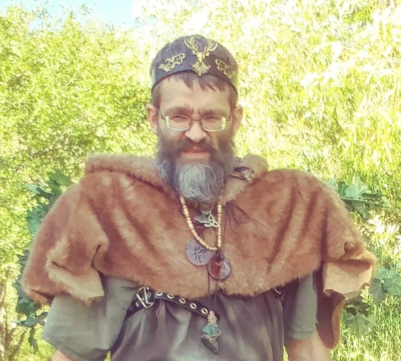 RJ Schwartz - Male Witch